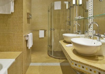 Mamaison Hotel Riverside Prague_Riverside Suite Bathroom 2_1360x680